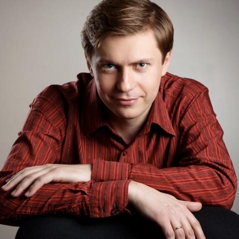Sergei Saratovsky, piano